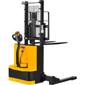 """Global Industrial™ Fully Powered Straddle Stacker Lift Truck, 65"""" Lift, 2650 Lb. Cap."""