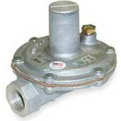 "Maxitrol 1/2"" Lever Acting Regulator with Vent Limiter 325-5V 1/2, Up To 325,000 BTU"