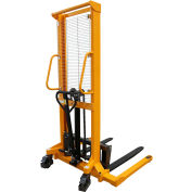 "Global Industrial™ Hand & Foot Pump Operated Lift Truck 2200 Lb. 62"" Lift"