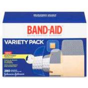"""Johnson & Johnson Adhesive Bandages, Flexible, 1""""W , 100BX, Fabric, Beige"""