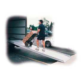 "Vestil Apron Style Walk Ramp AWR-28-7A - 28""W x 7'L - 2800 Lb. Capacity"