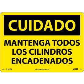 Spanish Plastic Sign - Cuidado Mantenga Todos Los Cilindros Encadenados