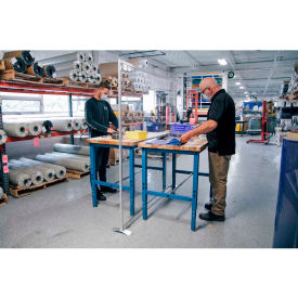 Global Industrial™ Floor Supported Personal Safety Workbench Partitions