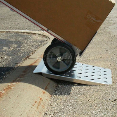 "B & P Wedge Curb Ramp CRW2724 27""W x 24""L 750 Lb. Capacity"