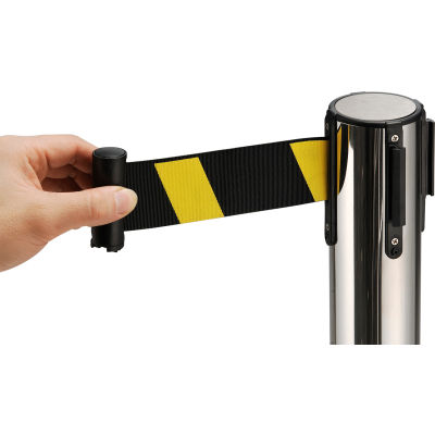 """Global Industrial™ Crowd Control Stanchion 39""""H SS Post 6-1/2' Yellow/Black Retractable Belt"""