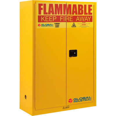 """Global Industrial™ Flammable Cabinet W/ Manual Close Double Doors, 45 Gal. Cap., 43""""Wx18""""Dx65""""H"""