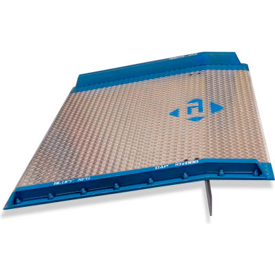 Bluff® AC6060 Aluminum Dock Board with Steel Curbs 60 x 60 10,000 Lb. Cap.