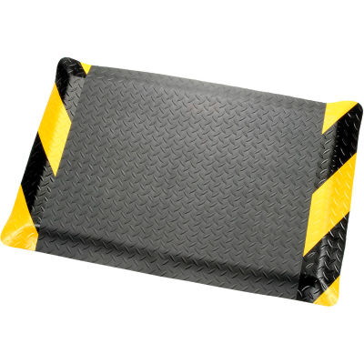 "Diamond Plate Ergonomic Mat 9/16"" Thick 48""W Cut Length Up To 75 Ft, Black/Chevron"