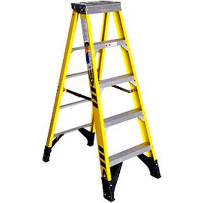 Werner 5' Fiberglass Step Ladder w/ Plastic Tool Tray 375 lb. Cap - 7305