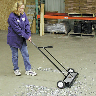 "Master Magnetics Heavy Duty Magnetic Sweeper with Release- 24""W - MFSM24RX"