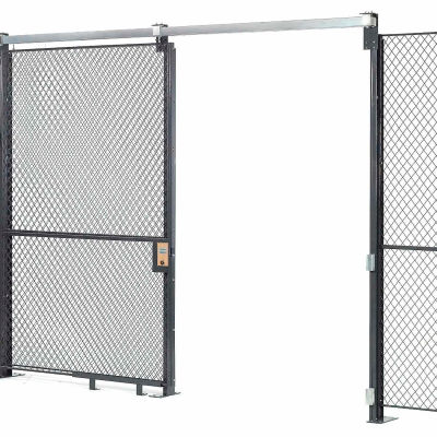 Global Industrial™ Wire Mesh Sliding Gate - 8x6