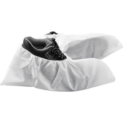 Global Industrial™ Skid Resistant Disposable Shoe Covers, Size 6-11, White, 150 Pairs/Case