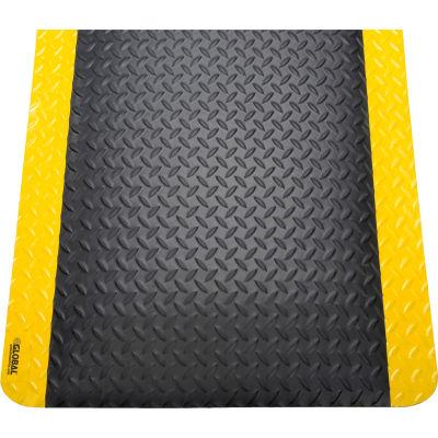"Global Industrial™ Diamond Plate Ergonomic Mat 15/16"" Thick 3' x 12' Black/Yellow Border"