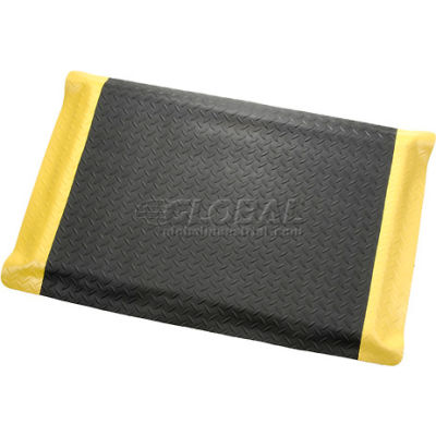"Apache Mills Diamond Foot™ Diamond Plate Mat 15/16"" Thick 2' x 3' Black/Yellow Border"
