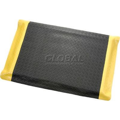 "Apache Mills Diamond Foot™ Diamond Plate Mat 15/16"" Thick 4' x Up to 75' Black/Yellow Border"