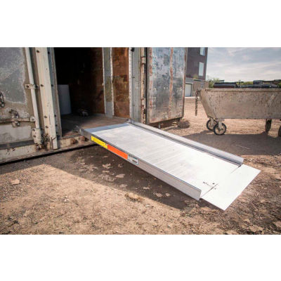 "EZ-ACCESS® TRAVERSE™ Loading Ramp WR04 - 4'L x 31-1/2""W - 1200 Lb. Capacity"