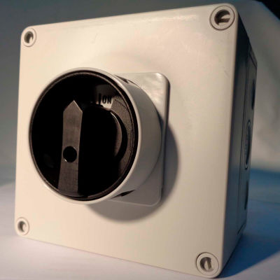 Springer Controls / MERZ ML1-040-AB3E, 40A, 3-Pole, Enclosed Disconnect Switch, Black/Grey