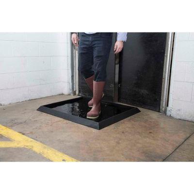 "NoTrax® Sani-Trax® Plus Disinfectant Entrance Mat 2-1/2"" Thick 2-5/8' x 3-1/4' Black"